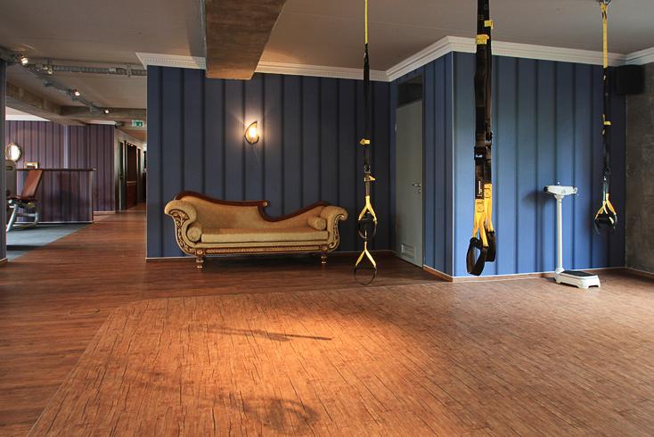 dirk s llner n y fitness dresden. Black Bedroom Furniture Sets. Home Design Ideas